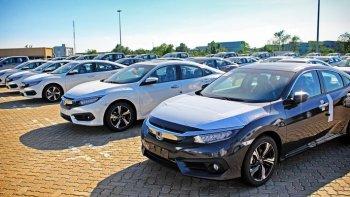 Xe nhập khẩu giảm 30% trong tuần qua
