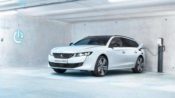 Xe điện xăng Peugeot 508 R PHEV mạnh hơn 350 mã lực