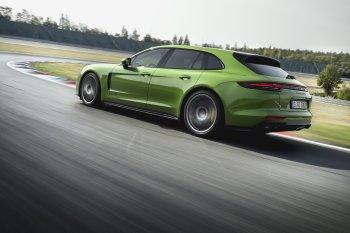 Các phiên bản GTS mới: Bộ đôi phiên bản mạnh mẽ gia nhập gia đình Porsche Panamera