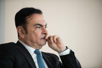Huyền thoại sụp đổ: Chủ tịch Nissan bị bắt vì gian lận tài chính