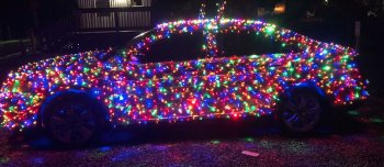 Ford Taurus đón Giáng sinh bằng hàng nghìn chiếc đèn nháy