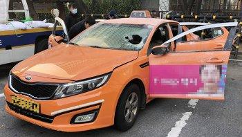 Tài xế tự thiêu phản đối taxi công nghệ