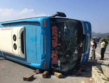 Quảng Ninh: Xe khách gặp tai nạn khiến 7 người thương vong