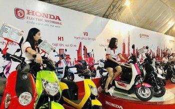 """Khách hàng Việt xôn xao về xe máy điện Honda """"made in China"""""""