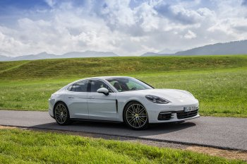 78.000 chiếc Porsche Panamera nằm trong diện triệu hồi