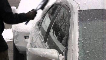 Mẹo cạo băng tuyết trên kính xe ôtô
