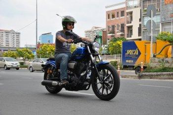 """Yamaha Bolt 950: """"Đặc sản"""" trên Sài phố"""