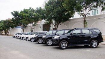 """Xe tự lái đồng loạt tăng giá dịp Tết, cơ sở cho thuê """"hốt bạc"""""""