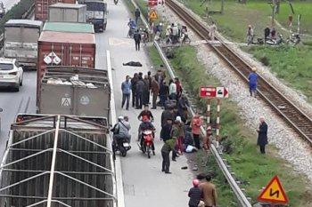 Xe tải đâm đoàn người đi bộ, gần 10 người tử vong