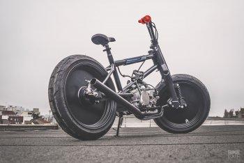 """Honda Cub """"biến hình"""" thành xe BMX"""