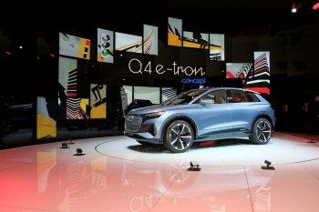 """Xe điện Audi Q4 e-tron """"chào sân"""" tại Triển lãm Ôtô Geneva 2019"""
