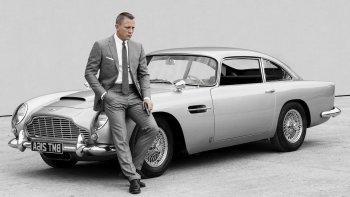 """James Bond chia tay động cơ V8 để """"kết hôn"""" với xe điện"""