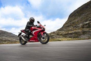 Honda CBR500R hoàn toàn mới giá 186,99 triệu đồng tại VN