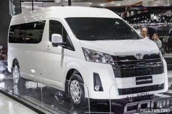 """""""Cá mập"""" Toyota Hiace 2019 thêm bản động cơ mới"""