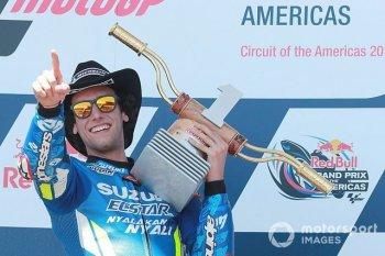 Alex Rins thắng ấn tượng trong ngày Marquez gặp tai nạn