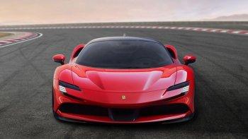 Ferrari ra mắt siêu xe hybrid 986 mã lực