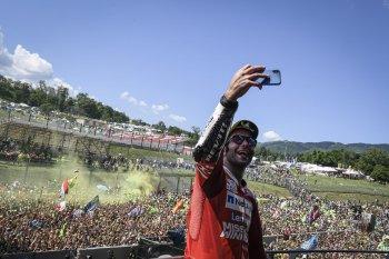 Chặng 6 MotoGP: Danilo Petrucci có chiến thắng chặng đầu tiên trong sự nghiệp