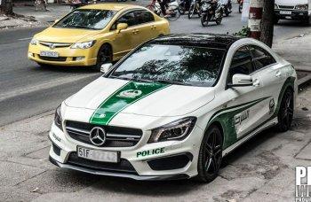 """Ôtô """"nhái"""" logo cảnh sát Dubai bị từ chối đăng kiểm"""