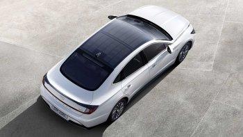 Hyundai ra mắt Sonata Hybrid chạy bằng năng lượng mặt trời