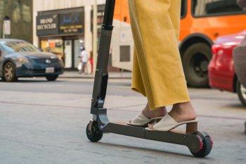 Hyundai ra mắt scooter điện phạm vi 20km