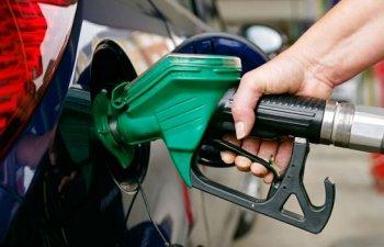 Giá xăng giảm siêu nhẹ