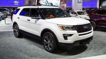 Hơn 300.000 xe Ford Explorer bị triệu hồi vì lỗi ghế ngồi
