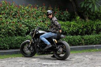 """Honda CB400SF Revo độ Cafe Racer của """"biker râu"""" Sài Gòn"""