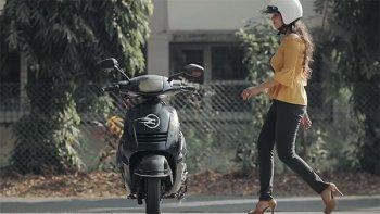 Ấn Độ phát triển xe máy tự cân bằng điều khiển bằng giọng nói
