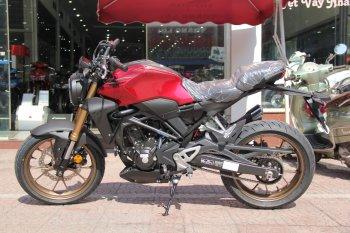 Chi tiết Honda CB300R giá 140 triệu đồng tại Hà Nội