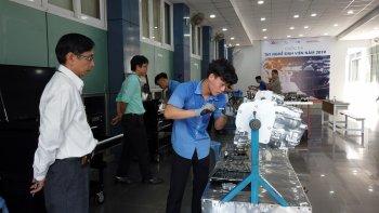 Mobile Car Care Việt Nam giúp sinh viên ngành ôtô tăng kỹ năng thực hành