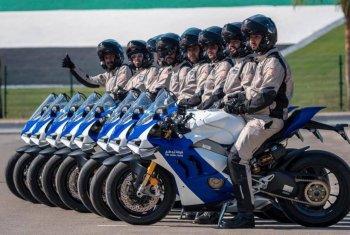 Cảnh sát Abu Dhabi được trang bị dàn siêu phẩm Ducati Panigale V4R làm xe tuần tra