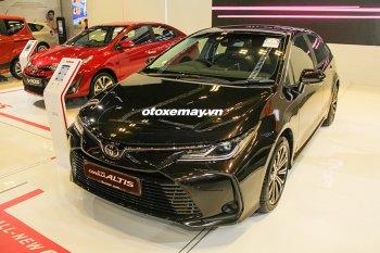 Cận cảnh Toyota Corolla Altis 2020 mới trình làng tại Singapore