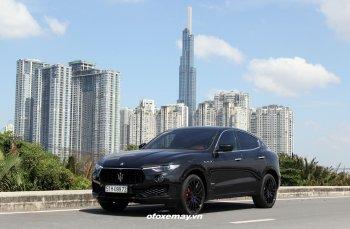 SUV tiên phong Maserati Levante tăng tốc bất ngờ trên phố Sài thành