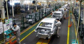 Thị trường ôtô Trung Quốc giảm gần 20% vì virus corona mới