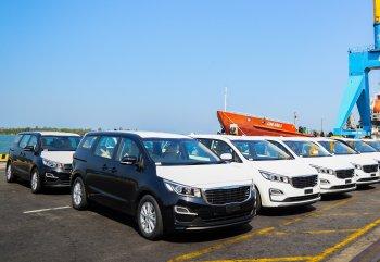 40 xe Kia Grand Carnival được Thaco xuất khẩu sang Thái Lan