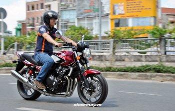 Cảm giác lái Honda CB400SF bản kỷ niệm 25 năm lướt êm như xe tay ga