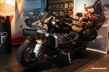 """""""Siêu tên lửa"""" Triumph Rocket III GT với những trang bị dành cho biker thích đi tour"""