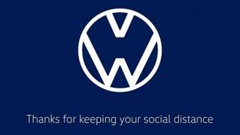 """Volkswagen và Audi """"biến tấu"""" logo góp phần đẩy lùi Covid-19"""