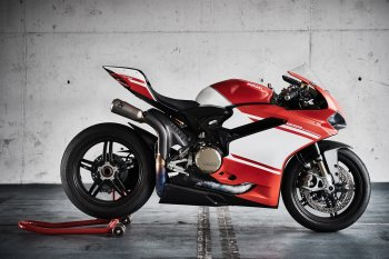 """Siêu phẩm"" Ducati Panigale 1299 Superleggera dính lỗi triệu hồi sau 3 năm ra mắt"