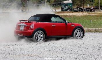 MINI Cooper Roadster: chất chơi lạ mắt trên đường Việt