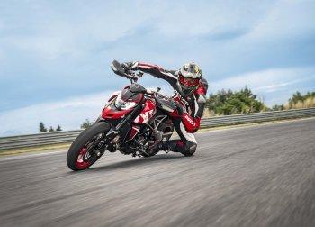 Ducati Hypermotard 950 RVE đậm chất đường phố chính thức ra mắt