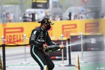 Lewis Hamilton trở lại vị trí số một tại Styrian GP 2020