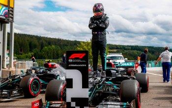 Chặng 7 mùa giải F1 2020: Lewis Hamilton nhẹ nhàng giành chiến thắng thứ 89 trong sự nghiệp