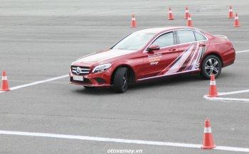 """Nâng cao kỹ năng lái xe với bài """"Gymkhana 25"""" của Mercedes-Benz dành cho tay lái Việt"""