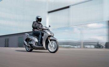 Xe tay ga cao cấp Honda SH350i 2021 chính thức ra mắt