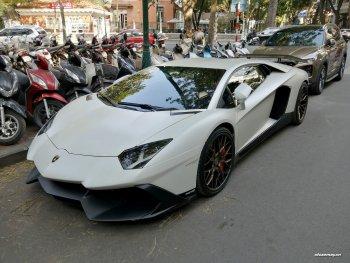 """""""Siêu bò"""" Lamborghini Aventador LP700- 4 độ khủng xuất hiện trên đường phố Hà Nội"""