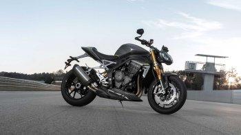 """Triumph tham gia cuộc đua hiệu suất với """"mãnh thú"""" Speed Triple 1200 RS 2021"""
