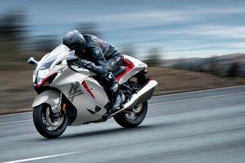 """""""Thần gió"""" Suzuki Hayabusa 2021 chính thức trở lại và lợi hại hơn xưa"""