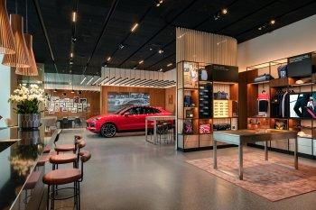 Không gian sang trọng của Porsche Studio vừa ra mắt tại Hà Nội