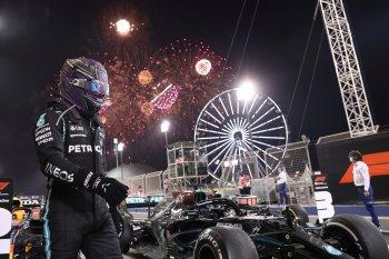 Lewis Hamilton về nhất chặng đua mở màn mùa giải F1 2021